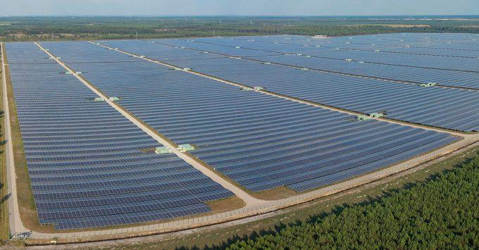 Albacete superará los 3.000 megavatios de energía renovable en los próximos años