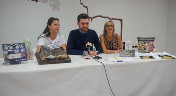 M s de 100 postales han llegado a la oficina de turismo de for Oficina de turismo albacete