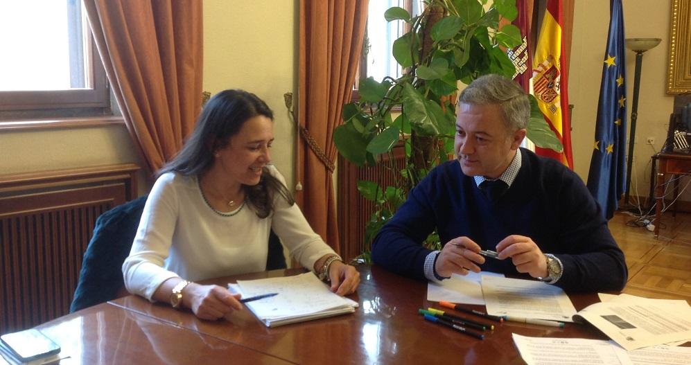Reuni n de trabajo entre el subdelegado del gobierno y la - Jefatura provincial de trafico de albacete ...