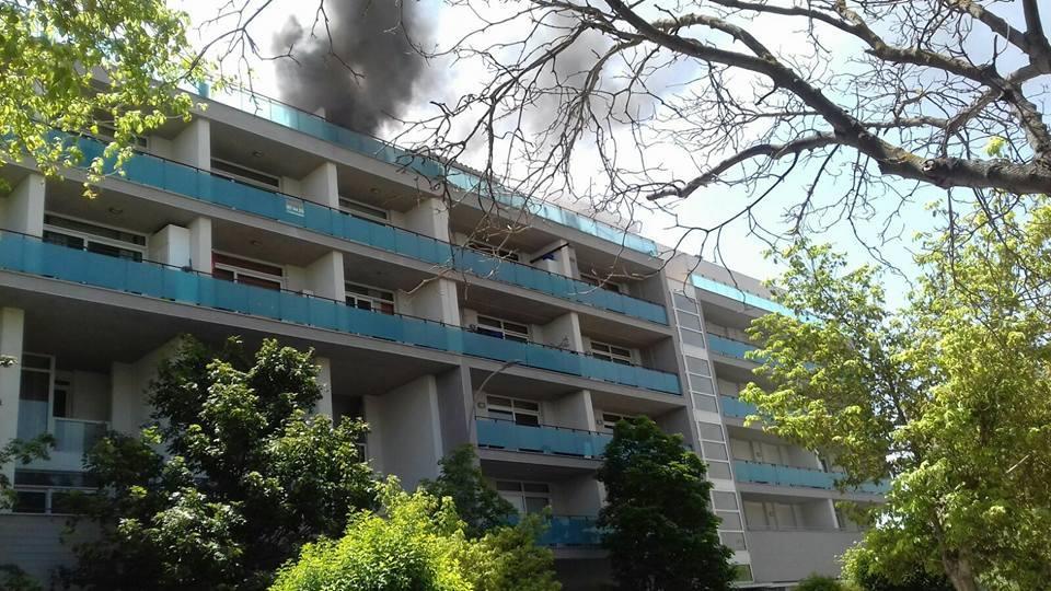 Extinguido el incendio en un tico de almansa con las personas que hab a en su interior a salvo - Aticos en albacete ...
