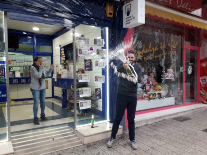 VÍDEOS | El segundo premio de la Lotería de Navidad deja 24 millones en Albacete y más de 150 en Almansa