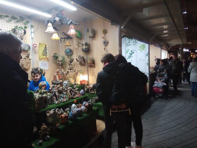 FOTOS | Artesanía, actividades y solidaridad, en el mercado de Navidad de Albacete
