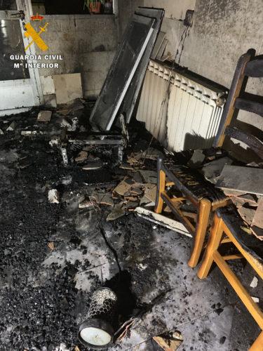 La Guardia Civil evita una explosión de gas tras el incendio en una vivienda en Alpera