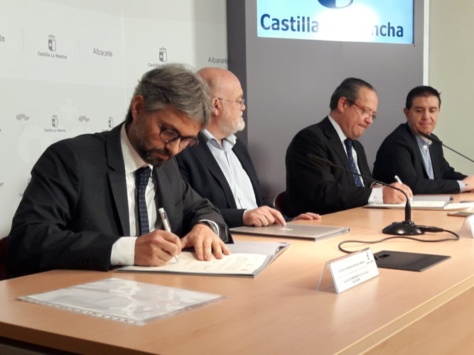 Firmado el convenio para retirar la roca caída hace 27 meses en Alcalá  del Júcar