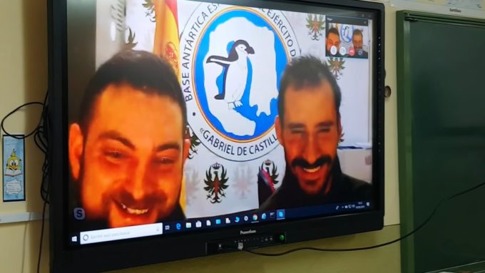 Videoconferencia con la Base Militar Española en la Antártida