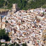 Trasladada al Hospital de Albacete una niña de 11 años tras caer en una piscina y golpearse la cabeza en Alcalá del Júcar