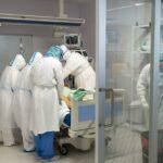 Muere una persona por COVID-19 en Albacete y se registran más de 600 contagios durante el fin de semana